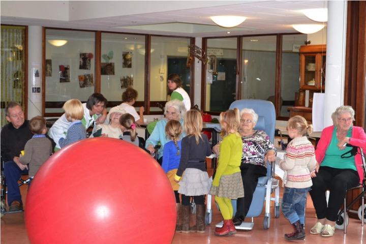 Super Activiteiten met jongeren, oma's en opa's   Wijsheid verjaart niet #LJ27